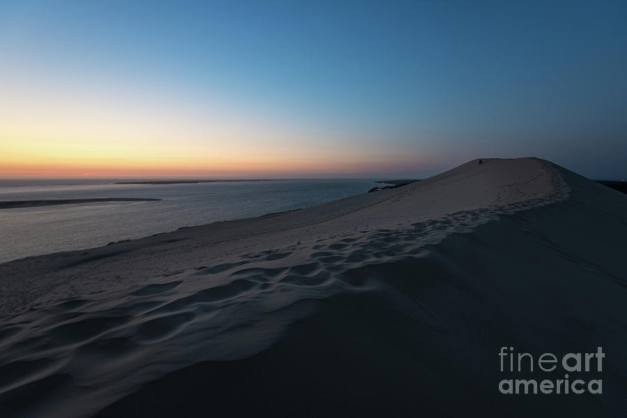 Dune du Pilat at sunset by Hannes Cmarits
