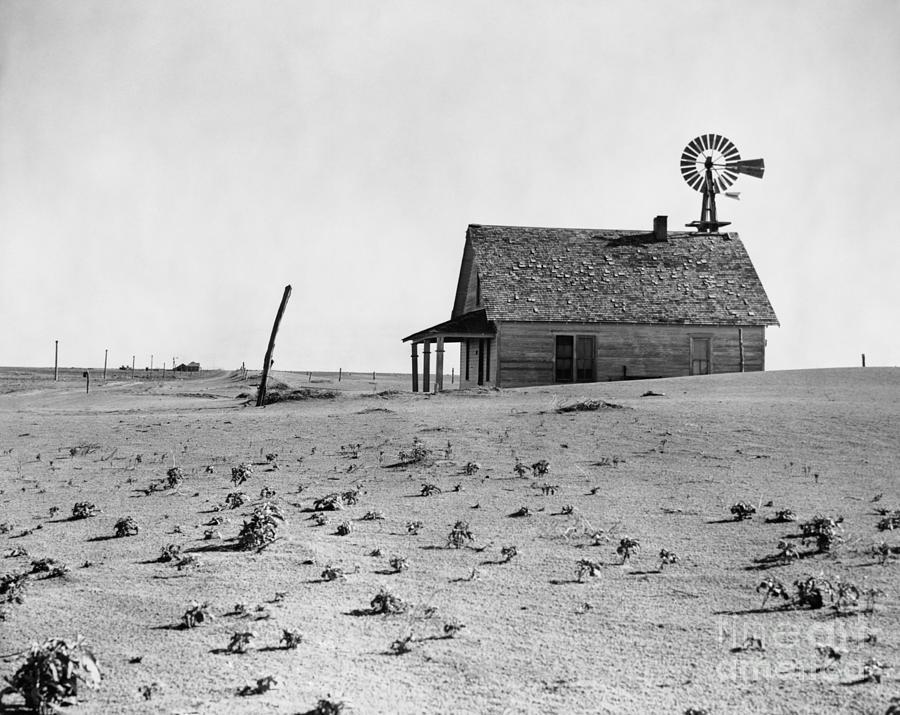 Dust Bowl Farm In Texas Photograph by Bettmann
