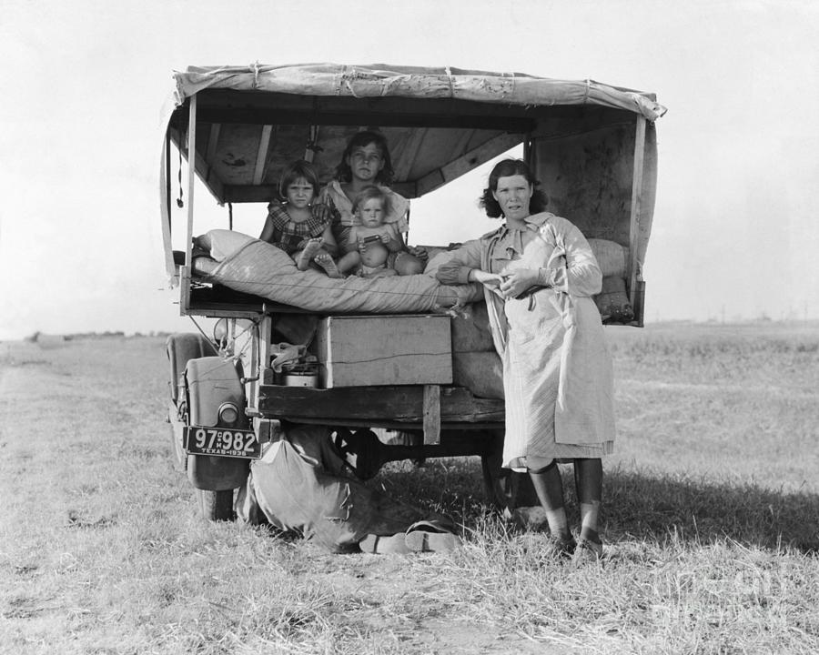 Dust Bowl Refugee Family Truck Photograph by Bettmann