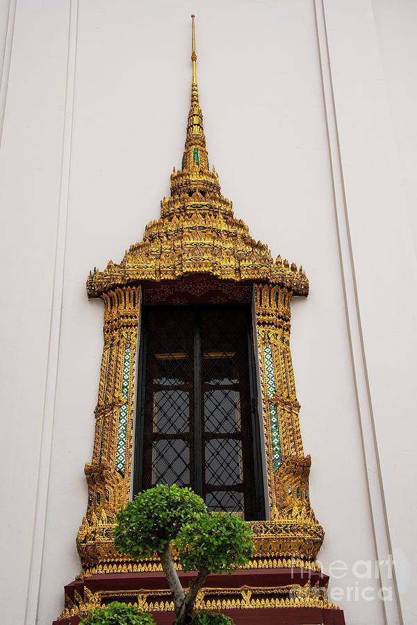 Dust Maha Prasat Throne Hall Window by Bob Phillips