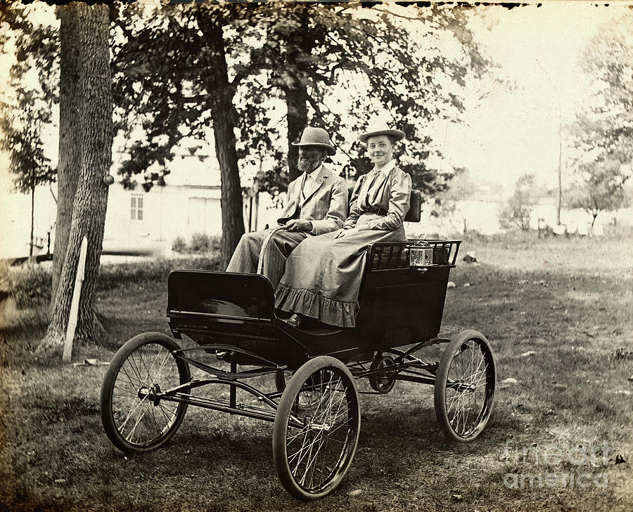 Early Electric Automobile Photograph by Bettmann