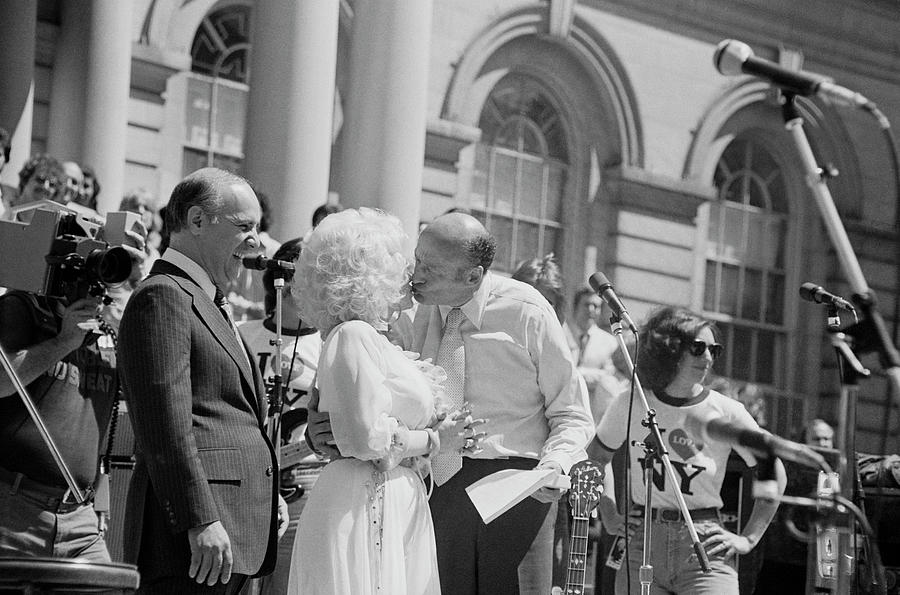 Ed Koch And Dolly Parton At City Hall Photograph by Art Zelin