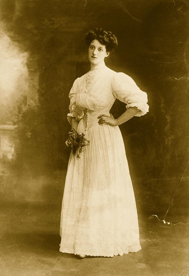 Edwardian Gown Photograph by Hulton Archive
