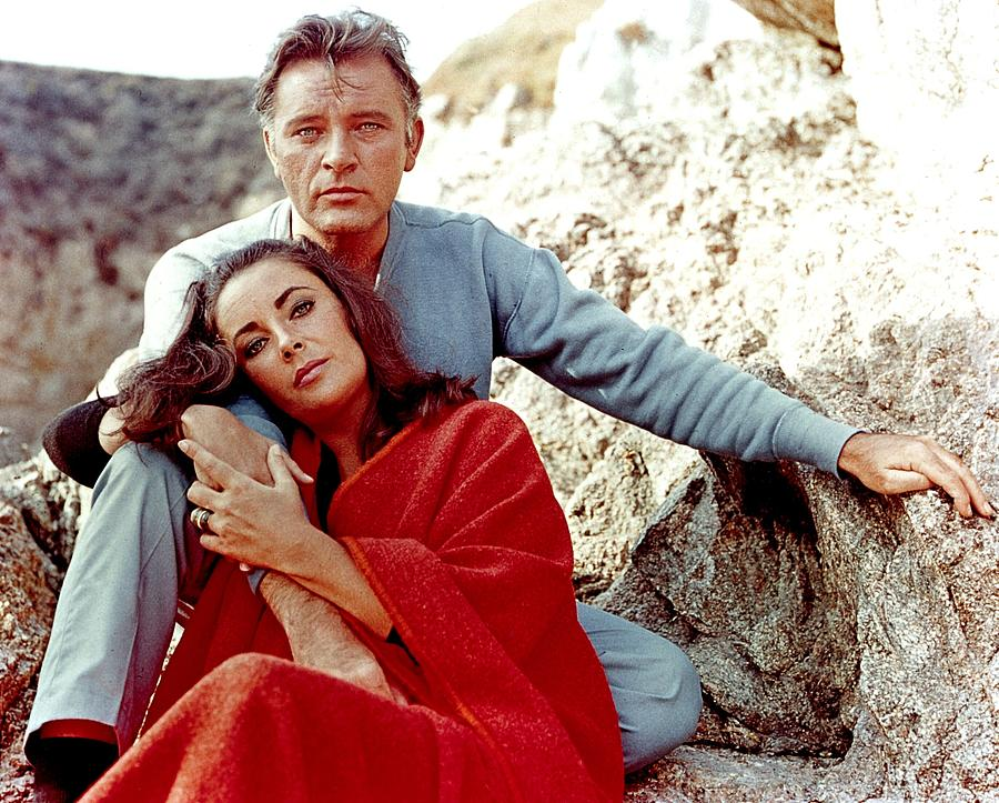 Elizabeth Taylor And Richard Burton On Photograph by Api
