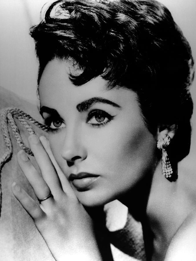 Elizabeth Taylor Archives Photograph by Api