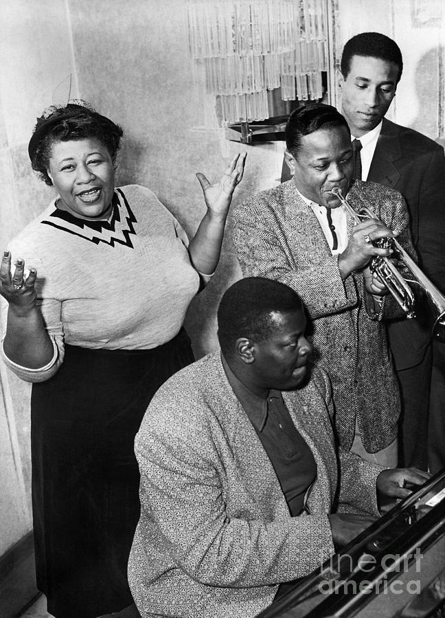Ella Fitzgerald, Oscar Peterson, Roy Photograph by Bettmann