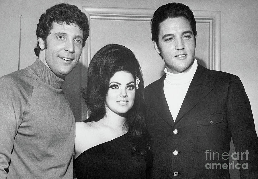 Elvis And Priscilla Presley With Tom Photograph by Bettmann