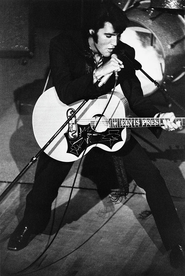 Elvis In Vegas Photograph by Archive Photos