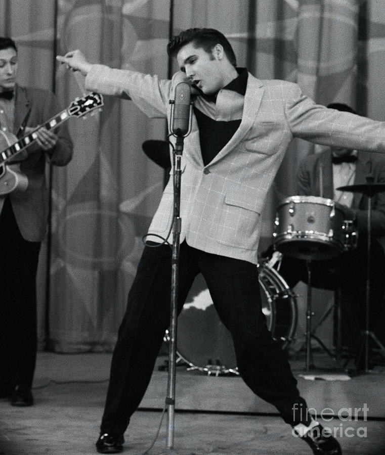 Elvis Presley Performing At Microphone Photograph by Bettmann