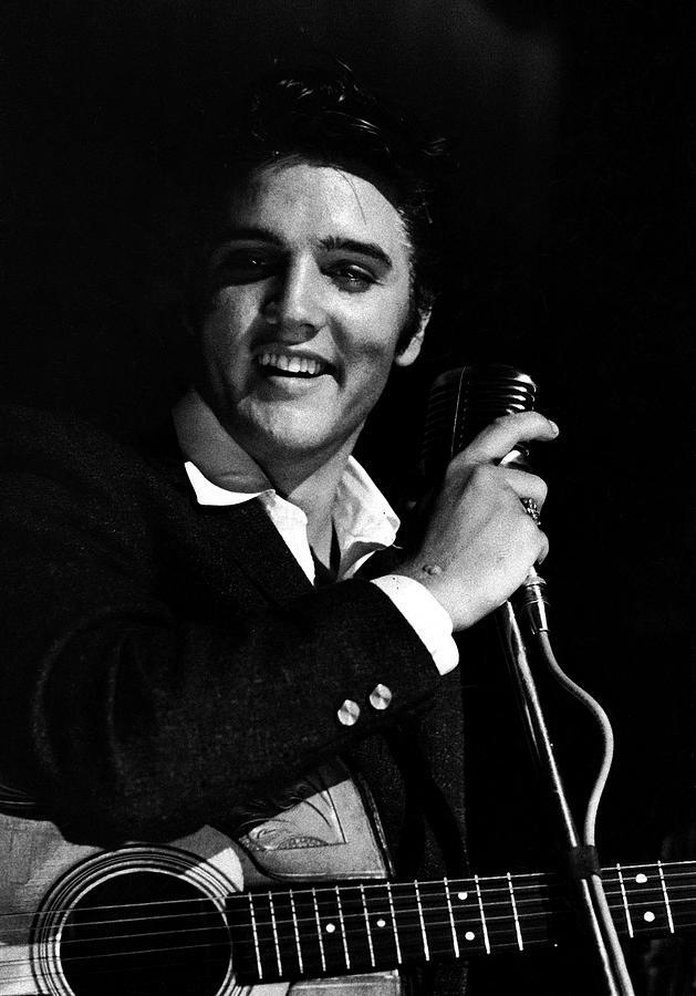 Elvis Presley Photograph by Robert W. Kelley