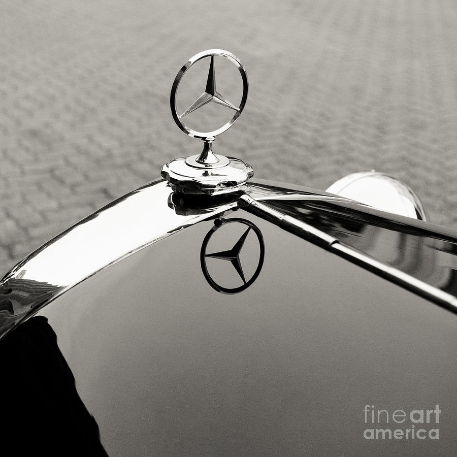 Emblem Logo On A Mercedes-benz 1935 200 Photograph by Thepalmer