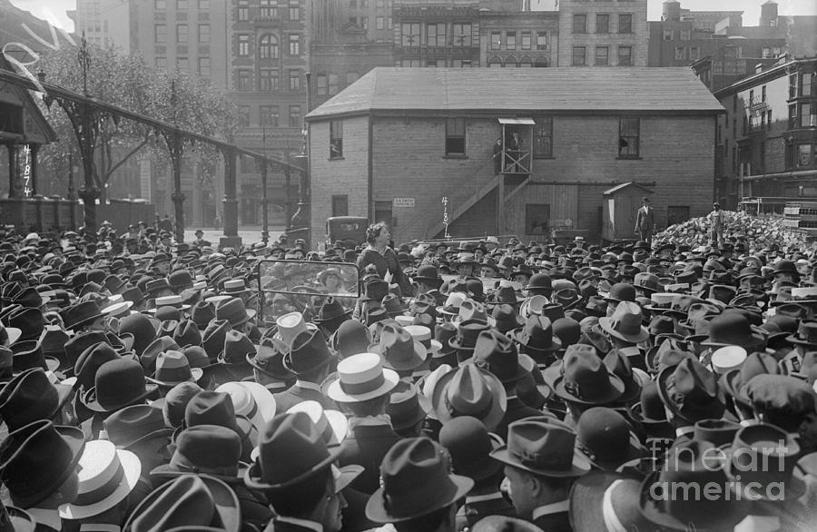 Emma Goldman Addressing Crowd Photograph by Bettmann