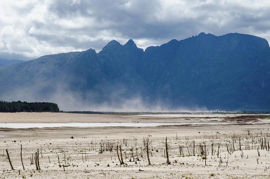 Empty reservoir by Rob Huntley