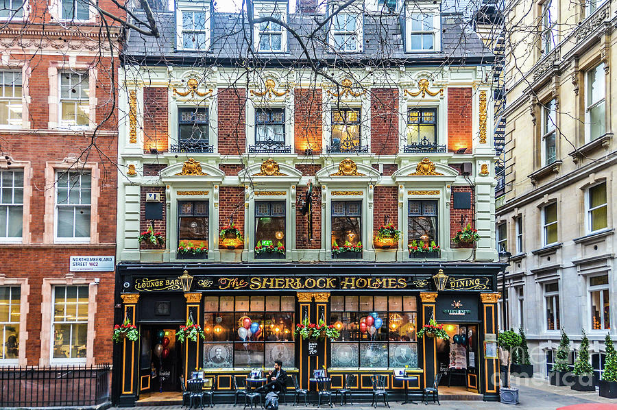 English Pub In London Photograph by Starcevic