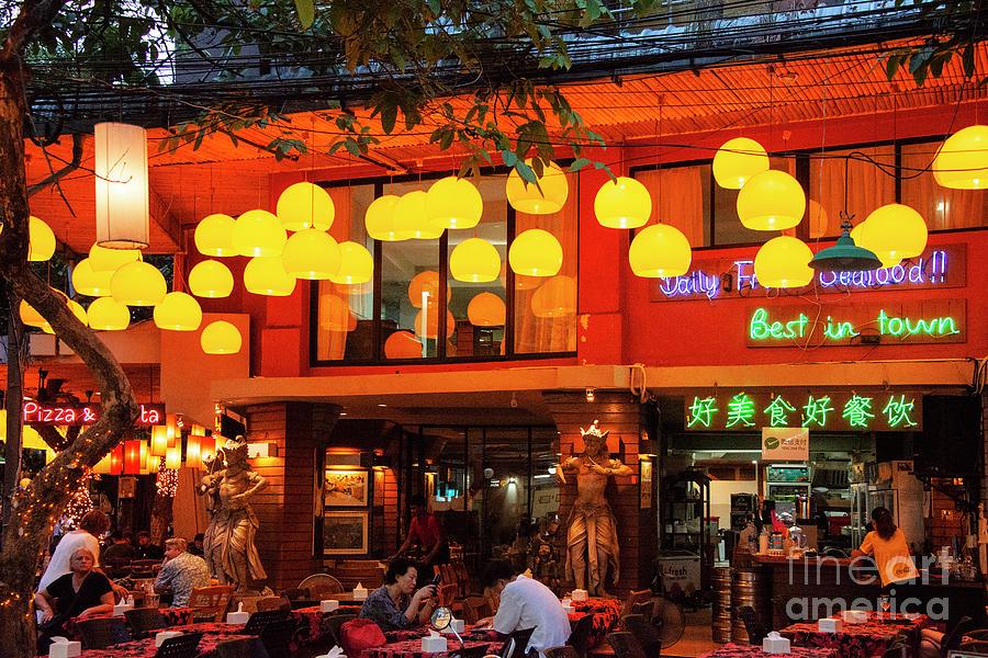 Enjoying Bangkok Night Life by Bob Phillips