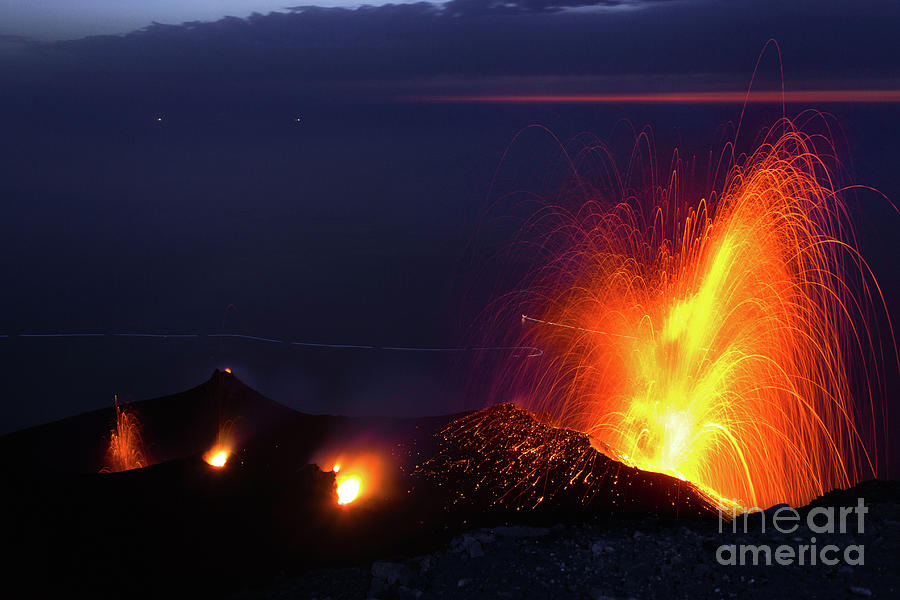 Eruption Of Stromboli Volcano, Italy Photograph by Francesco Sartori