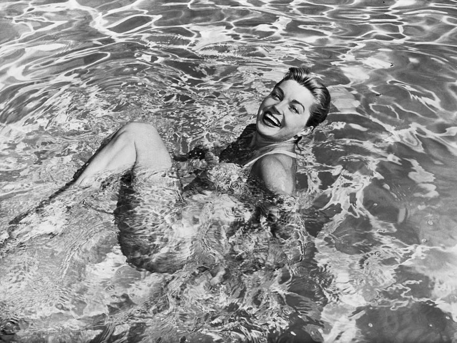 Esther Williams In Swimming Pool Photograph by Bettmann