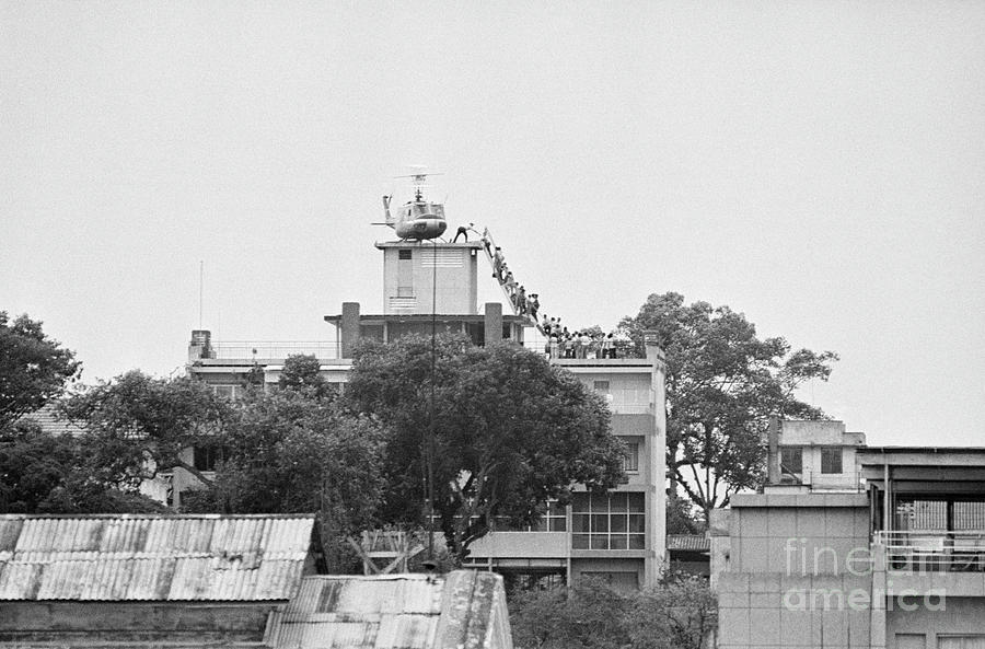 Evacuation Of Saigon Photograph by Bettmann