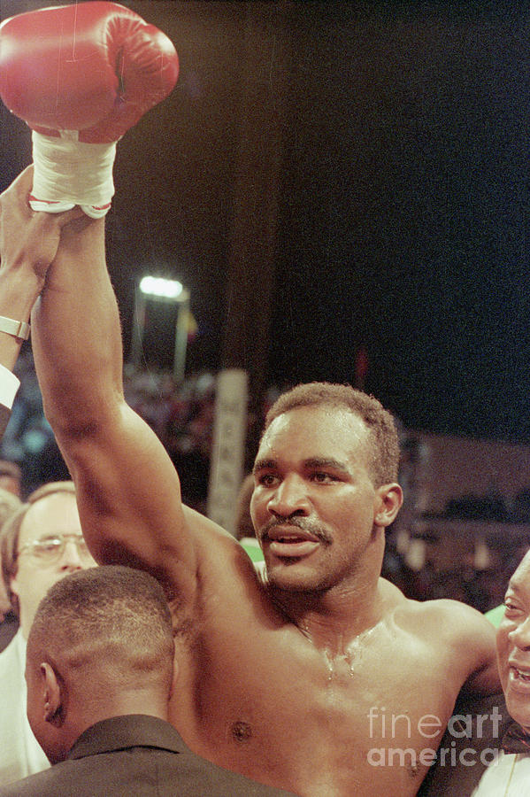 Evander Holyfield, Raised Arm In Victory Photograph by Bettmann
