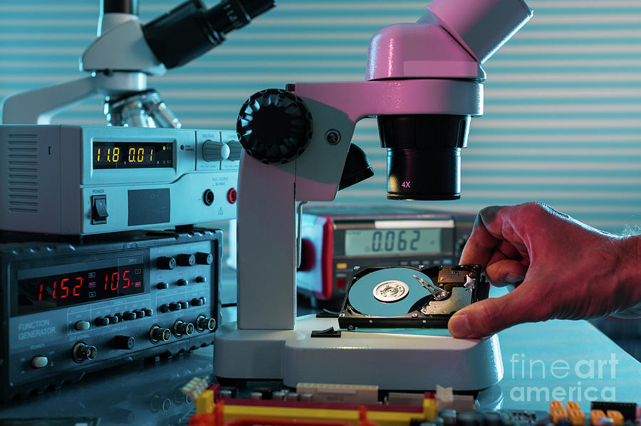 Electronic Photograph - Examining Hard Drive With Microscope by Wladimir Bulgar/science Photo Library