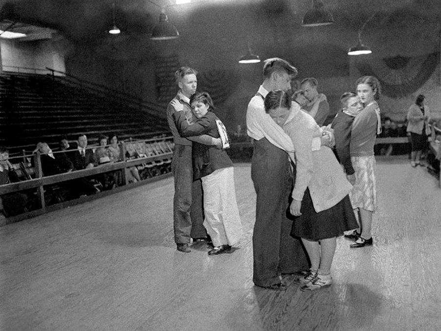 Exhausted Contestants Try To Keep Photograph by New York Daily News Archive