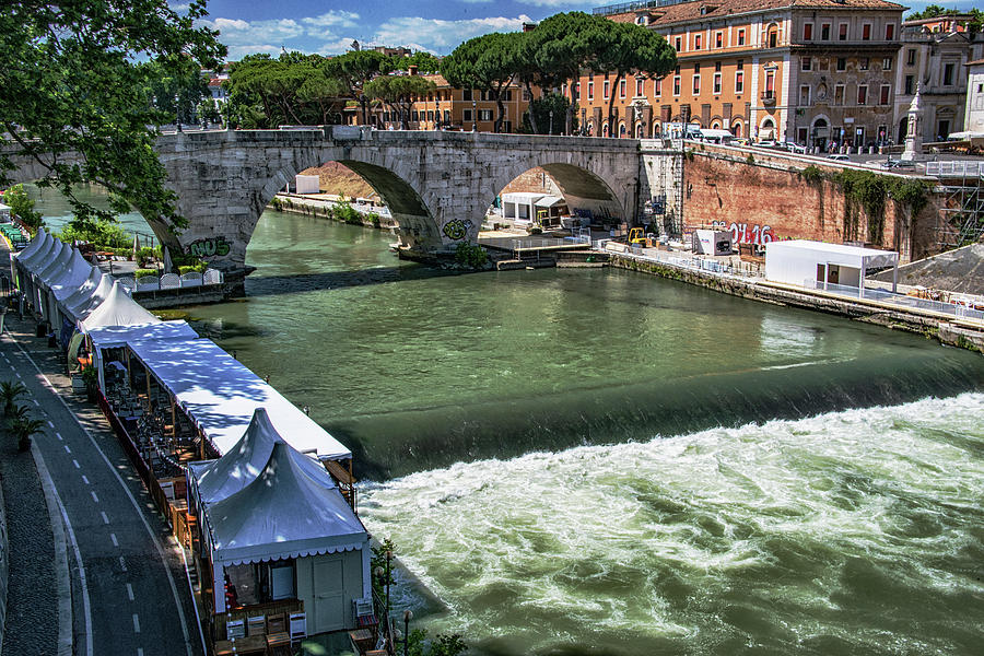 Fiume Tevere Photograph - Expectations by Joseph Yarbrough