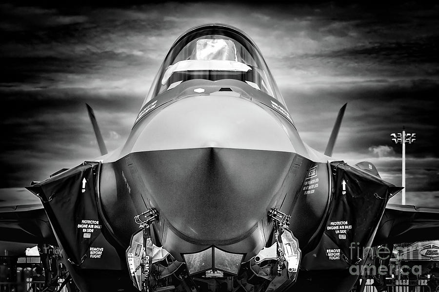 F-35 Ready For Deployment Bw