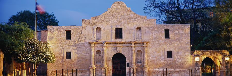 Horizontal Photograph - Facade Of A Church, Alamo, San Antonio by Panoramic Images