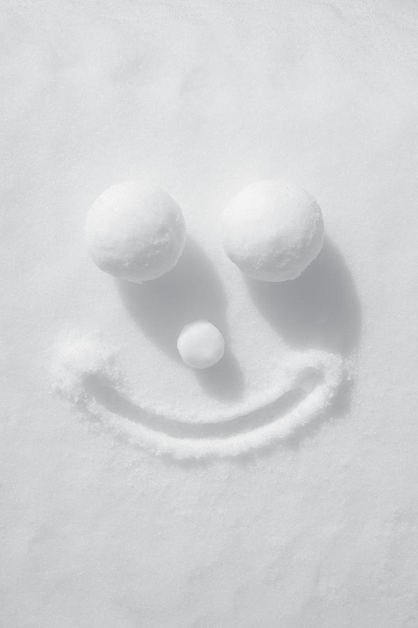 Face Of Snow Photograph by Malerapaso