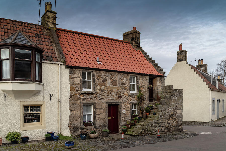 Falkland Cottages by Ross G Strachan