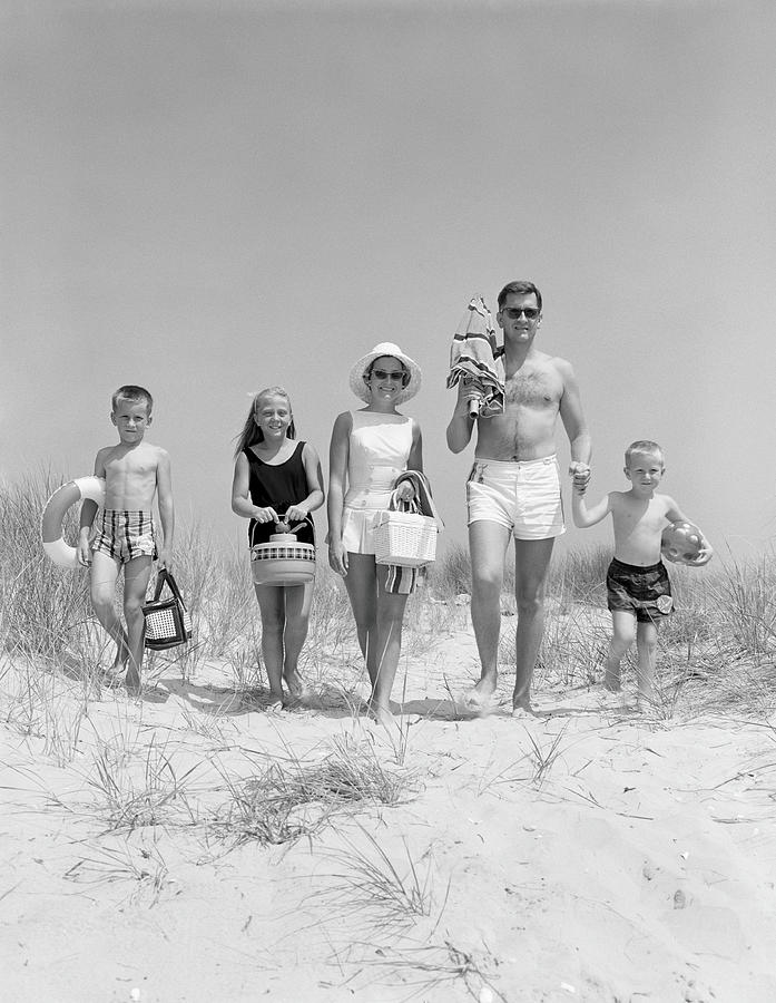 Family On Five, In Bathing Suits Photograph by H. Armstrong Roberts