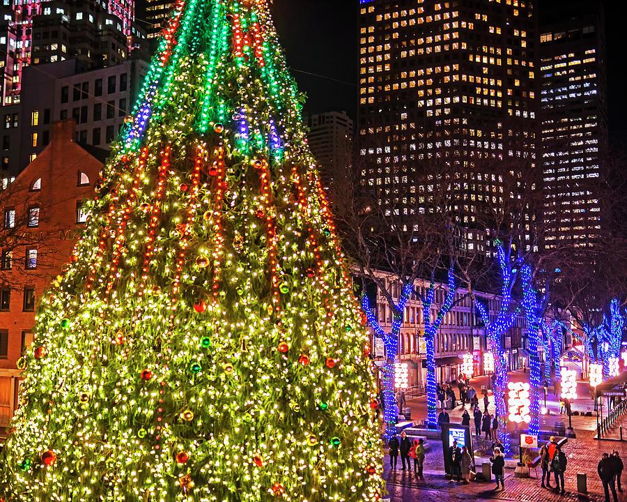 Christmas In Boston Massachusetts.Faneuil Hall Christmas Tree 2018 Boston Ma