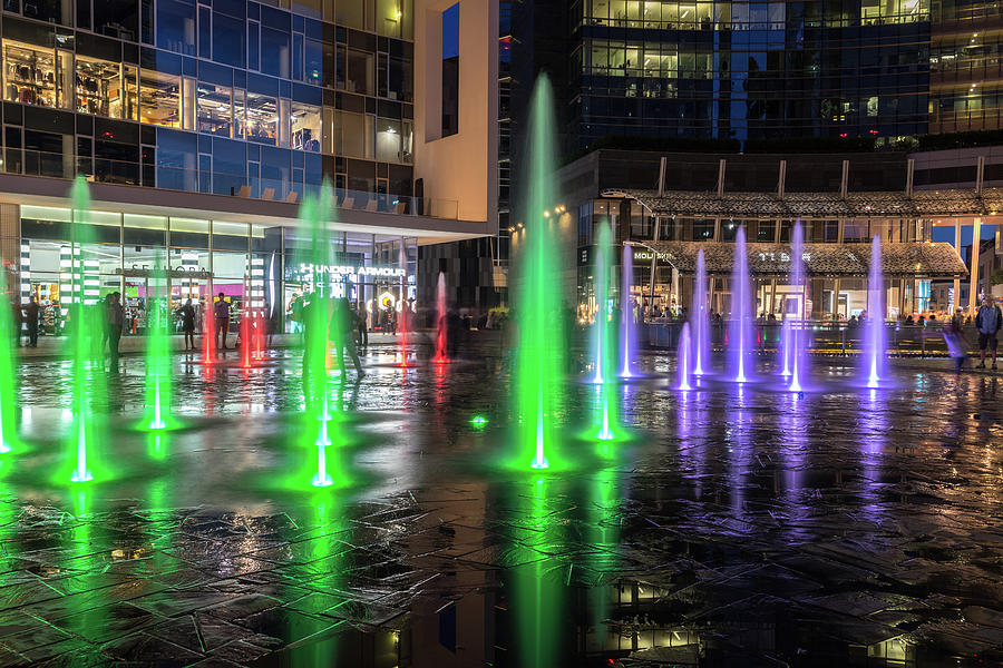 Fantabulous Piazza Gae Aulenti - Splash-In Fountains in Emerald and Amethyst by Georgia Mizuleva