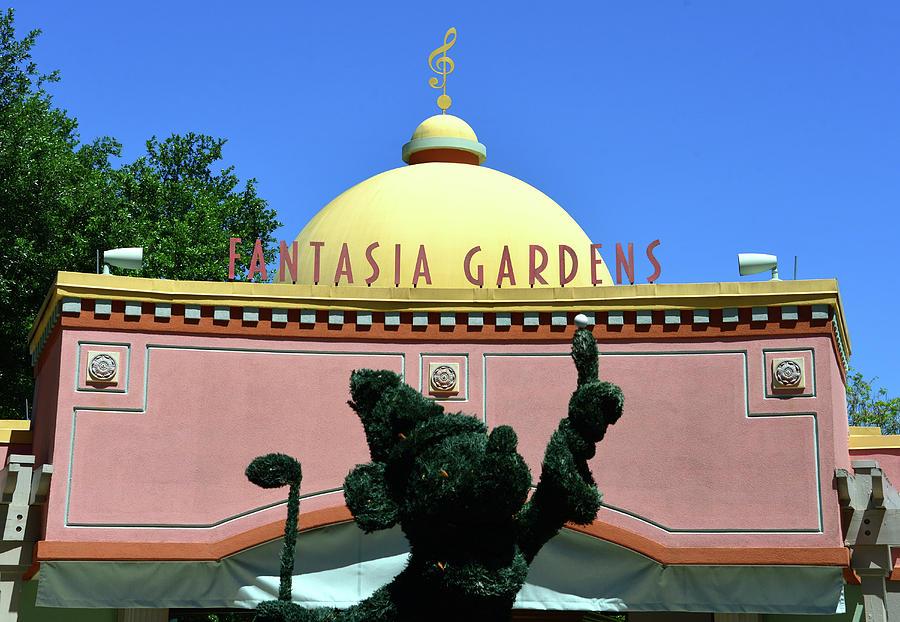 Fantasia Gardens Golf entrance by David Lee Thompson