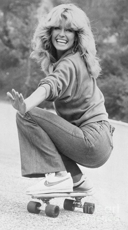 Farrah Fawcett Riding Skateboard Photograph by Bettmann