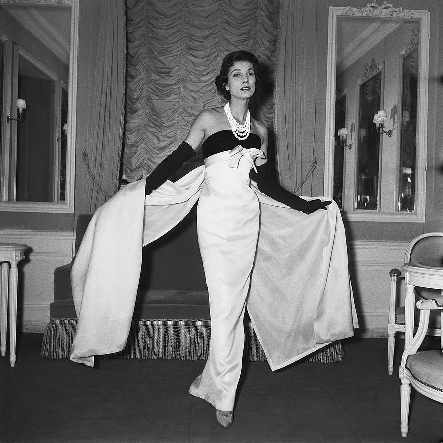 Fashion Presentation By Christian Dior Photograph by Keystone-france