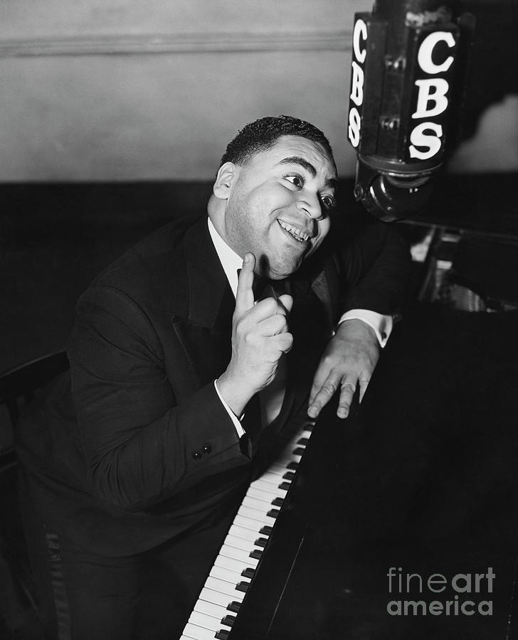 Fats Waller Gesturing At Piano Photograph by Bettmann