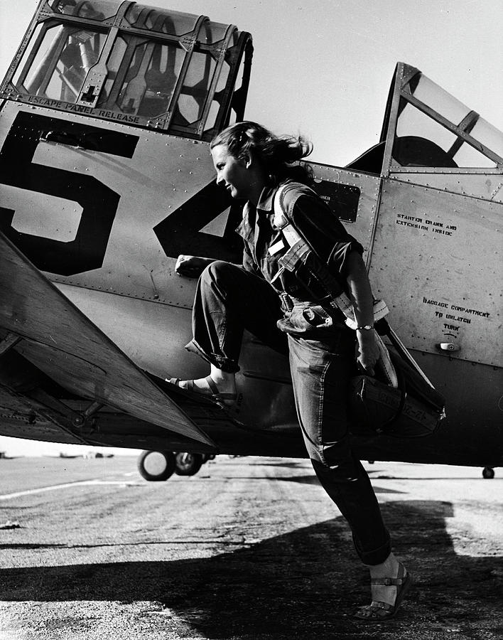 Female Pilot Of The Us Womens Air Force Photograph by Peter Stackpole