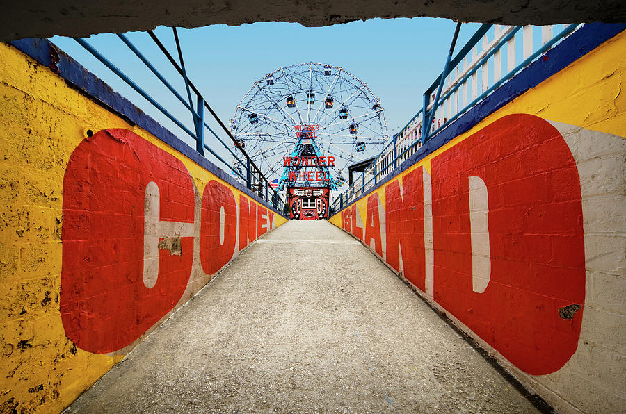 Ferry Wheel At Amusement Park With Photograph by Ed Freeman