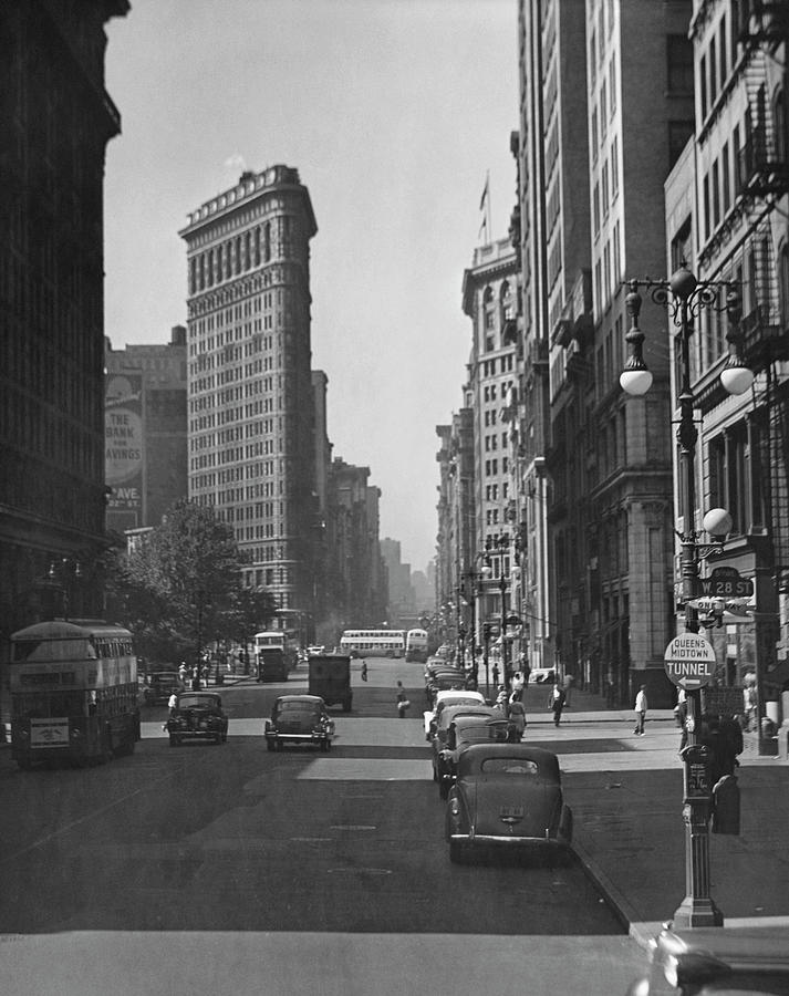Fifth Ave. And The Flatiron Bldg Photograph by George Marks