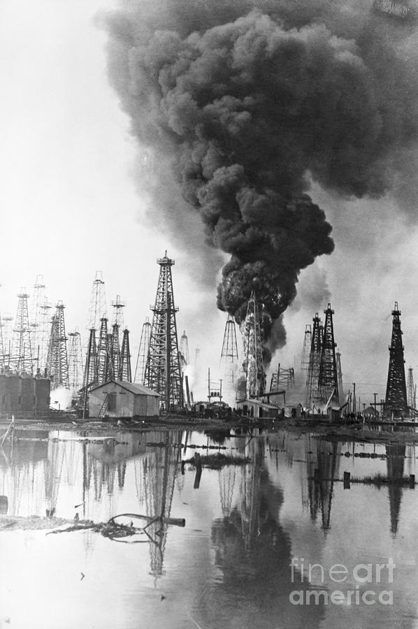 Fire Burning @ Oil Well Flames, Smoke Photograph by Bettmann