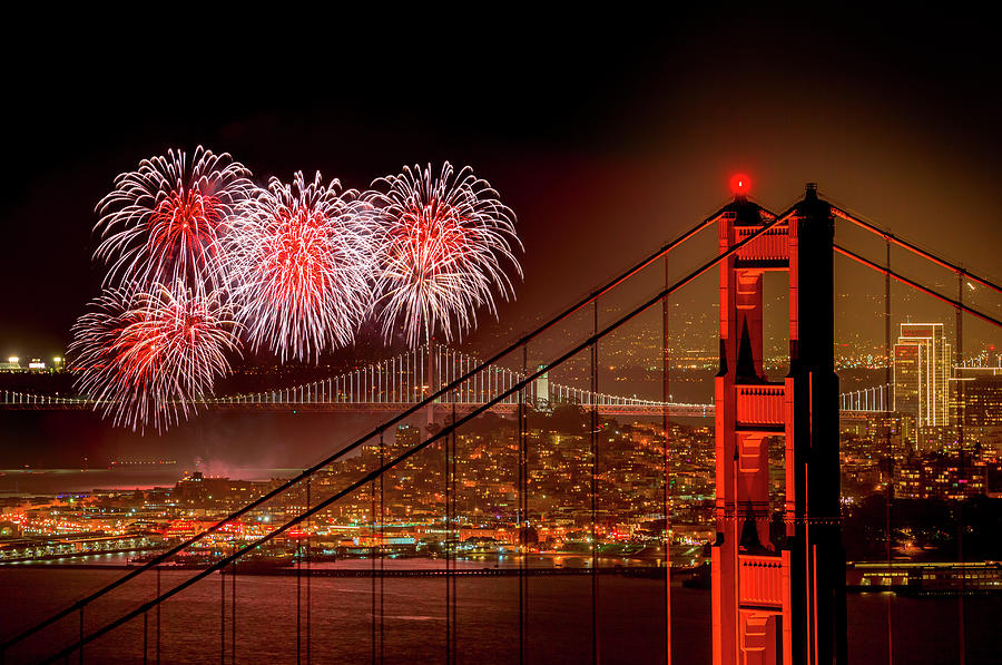 Firework At San Francisco, California Photograph by Spondylolithesis