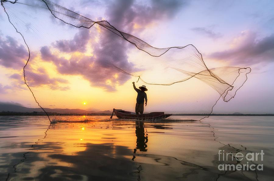 Mirror Photograph - Fisherman Of Bangpra Lake In Action by Weerasak Saeku
