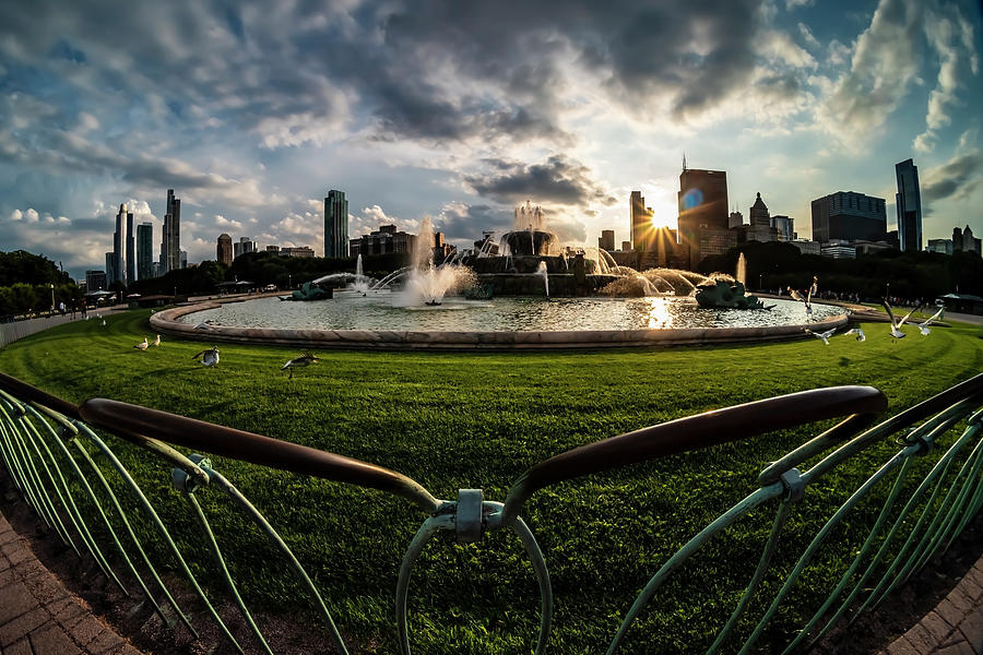Fisheye view of Chicago's Buckingham Fountain by Sven Brogren