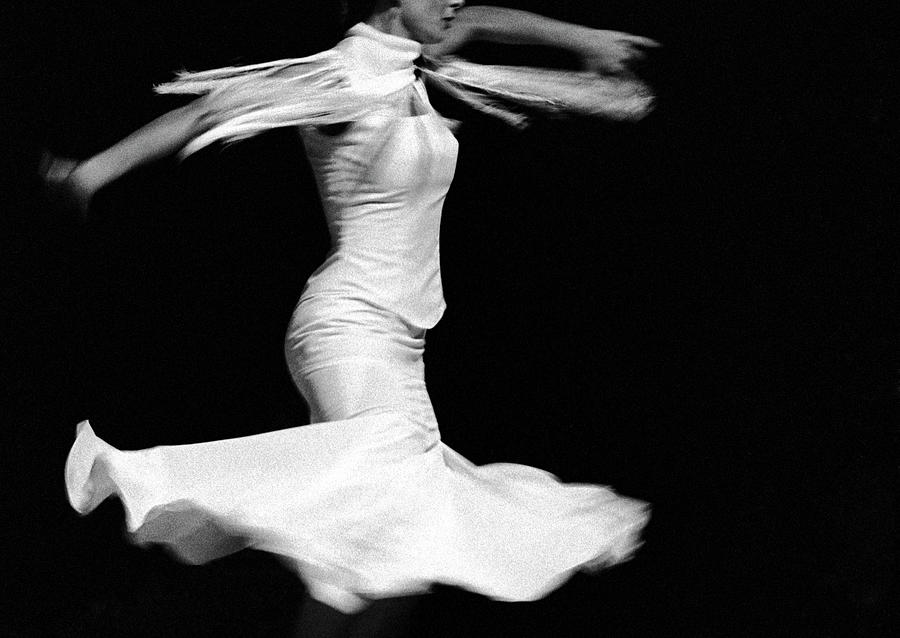Flamenco Flying Photograph by T-immagini