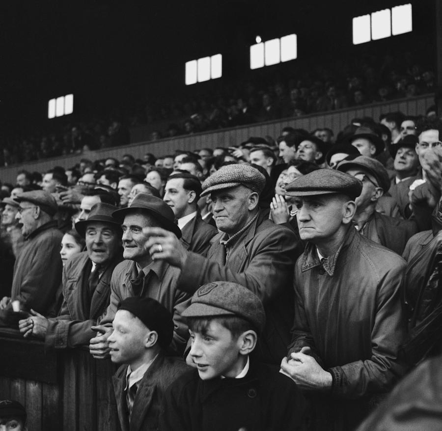 Flat Cap Crowd Photograph by Bert Hardy