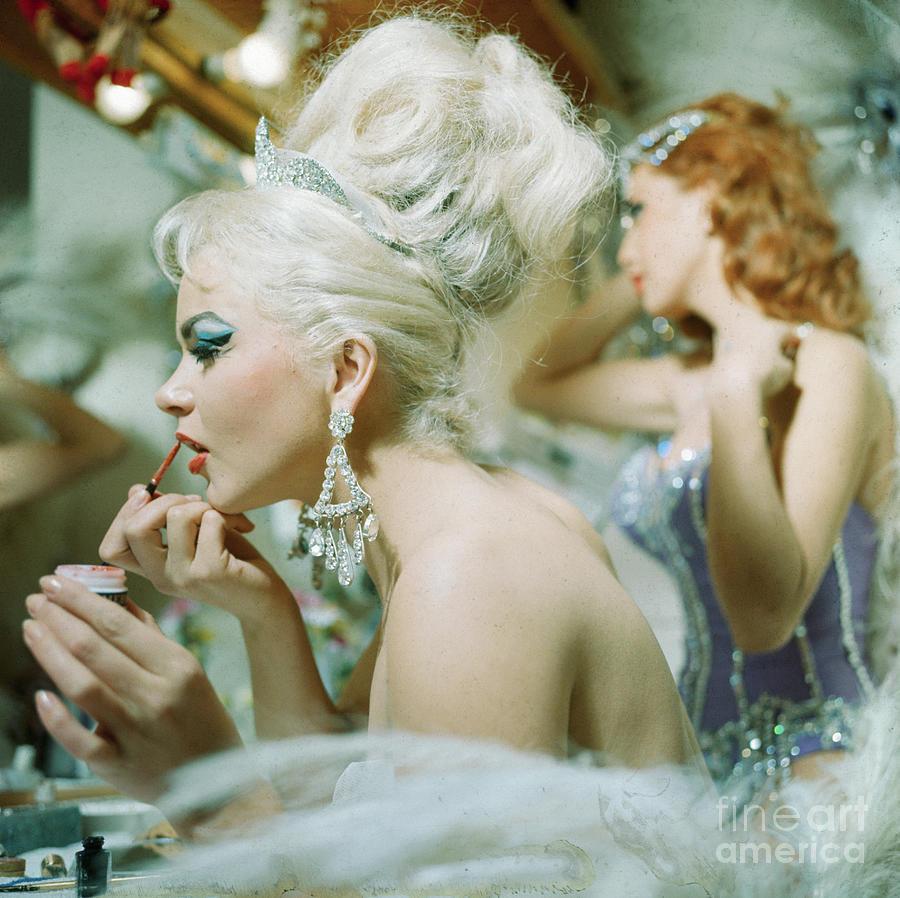 Folies Bergere At Hotel Tropicana Photograph by Bettmann