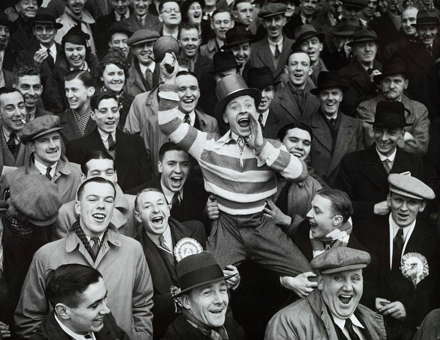 People Photograph - Football, 8th January 1938, Highbury by Popperfoto