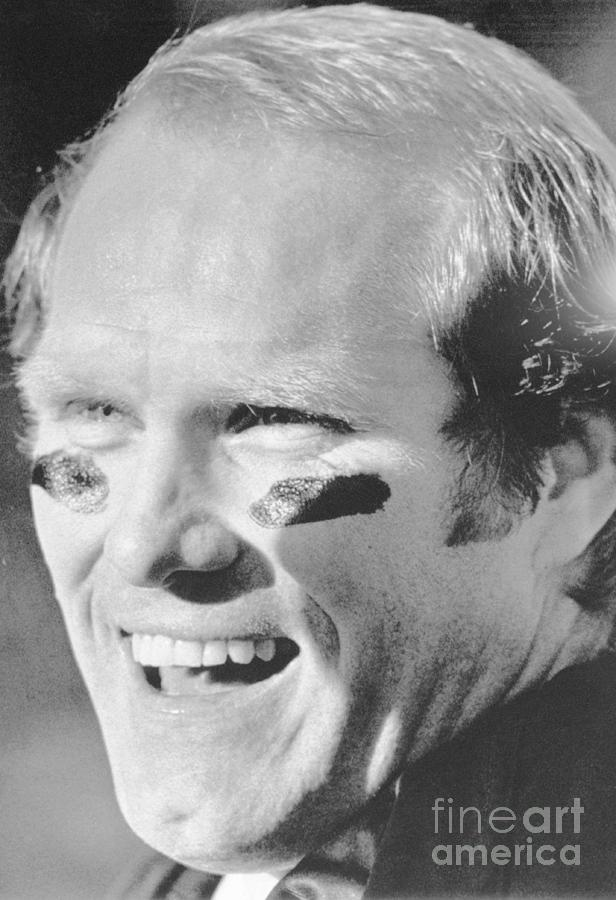 Football Player Terry Bradshaw Smiling Photograph by Bettmann