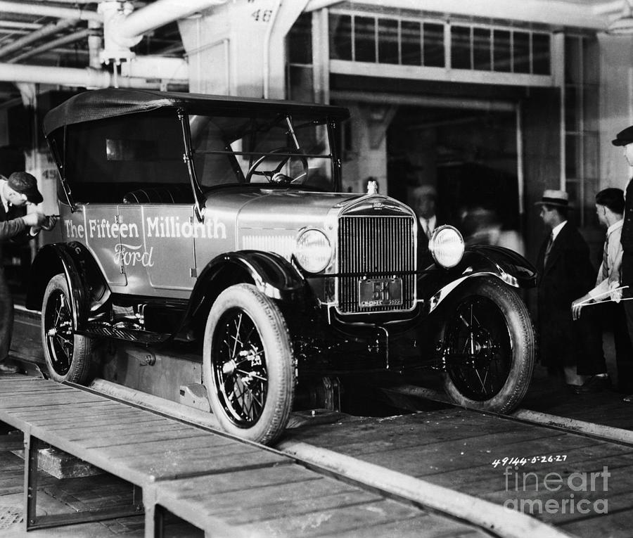 Ford Model T Coming Off Assembly Line Photograph by Bettmann